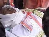 Manna Dey, legendary singer, cremated in Bangalore