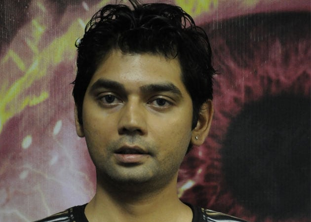 Vivek Mishra Net Worth