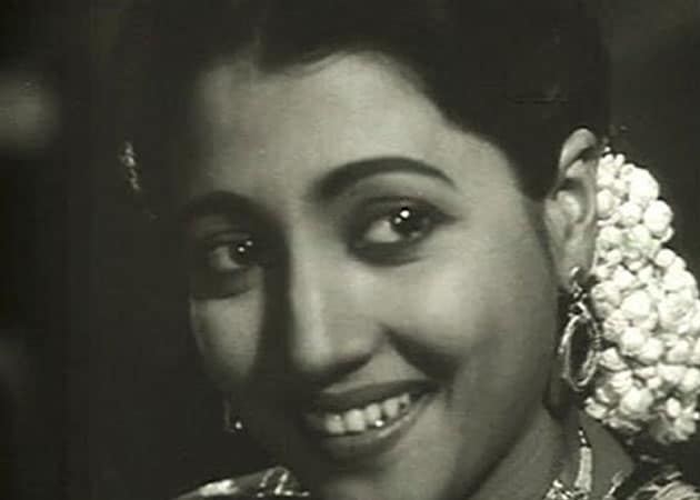 Bengali film industry will remain indebted to Suchitra Sen, says ... Under A Funeral Moon