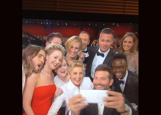 Oscars 2014 epic moment: Best selfie ever - NDTV Movies