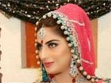 Pakistani actress Sana Khan dies in car accident