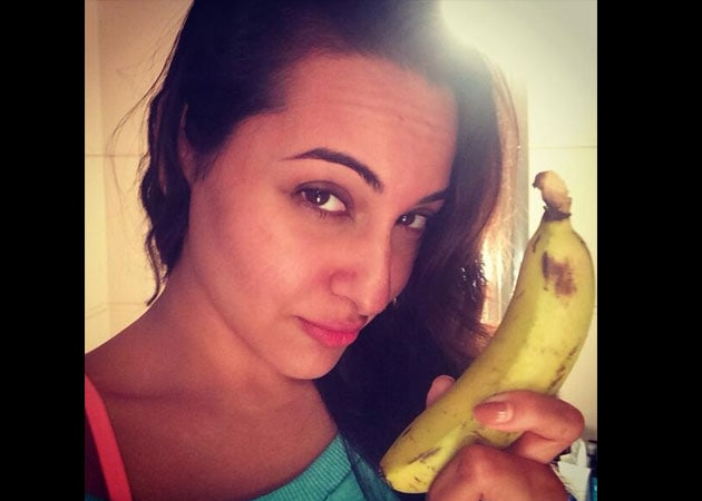 Who needs a Golden Kela? Sonakshi Sinha has something better