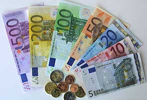Euro hits seven-week dollar low as stocks slide