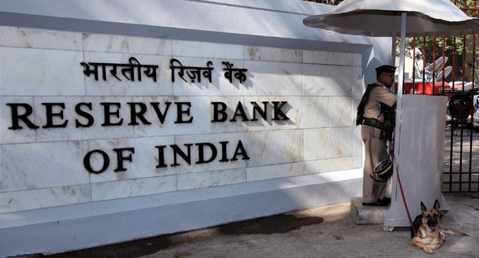 RBI wants greater role of CAs in ensuring solvency of banks