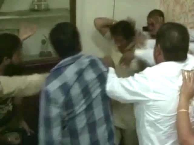 Video : Congress, BJP corporators clash in Haryana, even women not spared