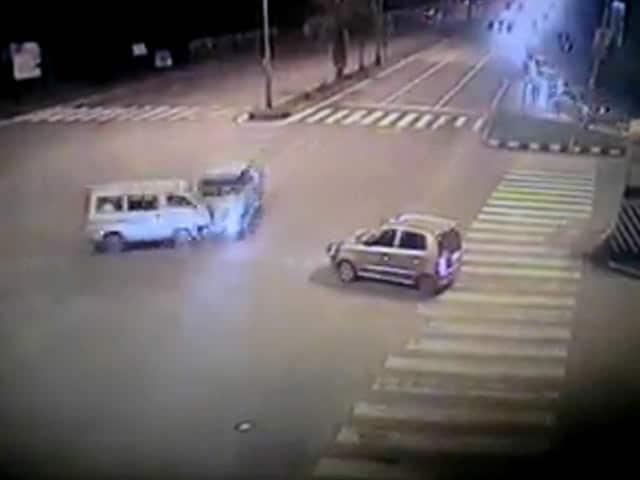 Video : Caught on camera: deadly hit-and-run near Mumbai