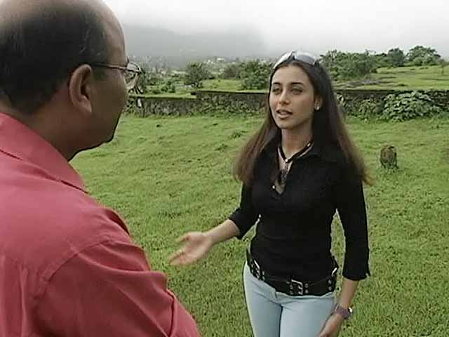 Video : Walk The Talk: Rani Mukherji (Aired: August 2003)