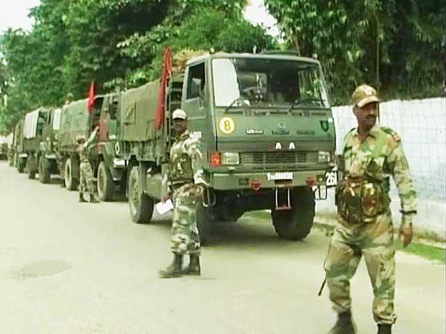 Video : Muzaffarnagar clashes: 21 killed, 800 Army troops deployed
