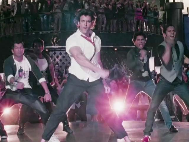 Video : Teaser: Charged up Hrithik in Raghupati Raghav