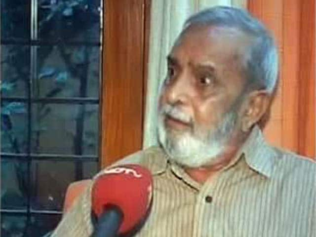 Video : BJP, noted Kannada writer in war of words over Narendra Modi