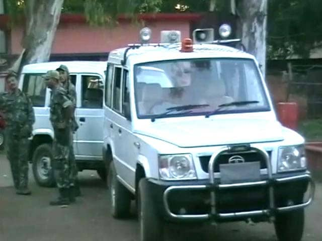 Video : Cop killed in alleged Maoist attack on patrol party