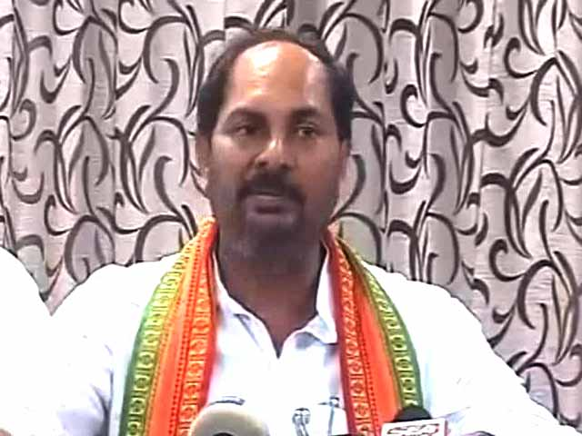 Video : Muzaffarnagar riots: Row after UP minister asks BJP MLA to 'shut up'