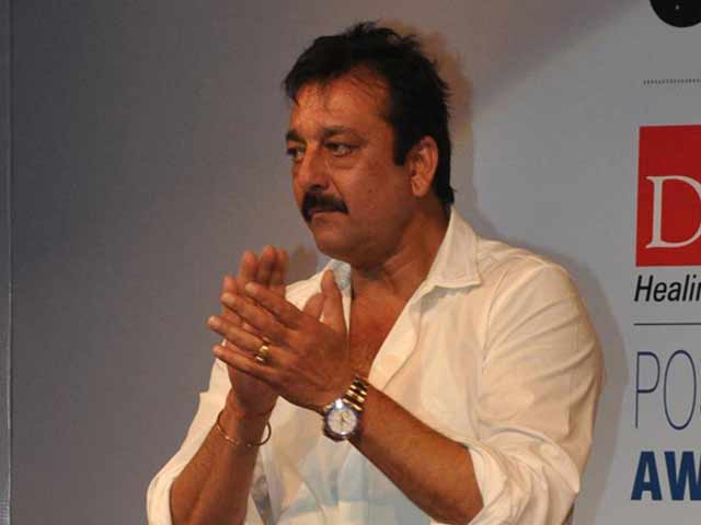 Video : Sanjay Dutt to act  for jail fundraiser