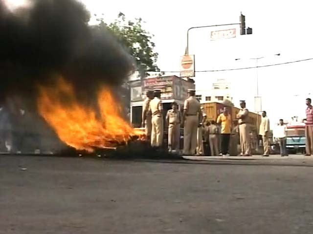 Video : Telangana green light provokes protests, resignation threats