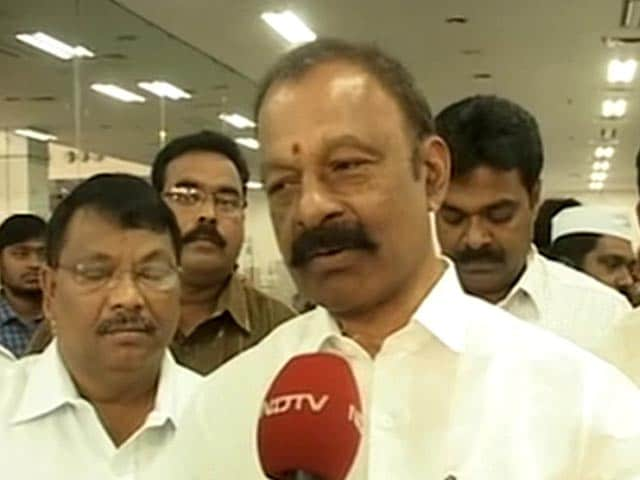 Video : Cyclone Phailin: Let us fight this havoc, appeals Andhra Pradesh minister
