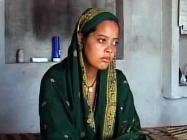 Video : India Matters: Gudiya's two husbands (Aired: September 2004)