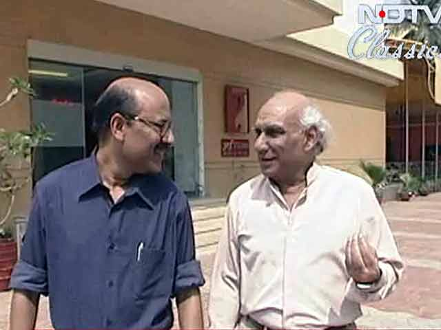 Video : Walk The Talk: Yash Chopra (Aired: March 2006)