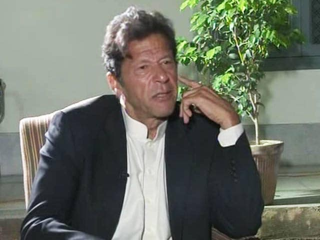 Video : Imran Khan threatens to choke NATO supplies if drone attacks go on