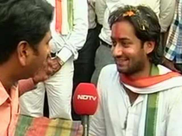 Video : Digvijaya Singh's son makes political debut in Madhya Pradesh polls
