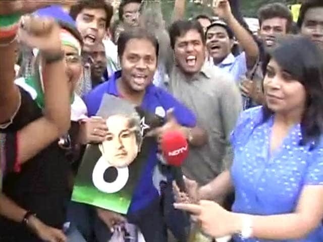 Video : Eden fans celebrate India win with Sachin's memories