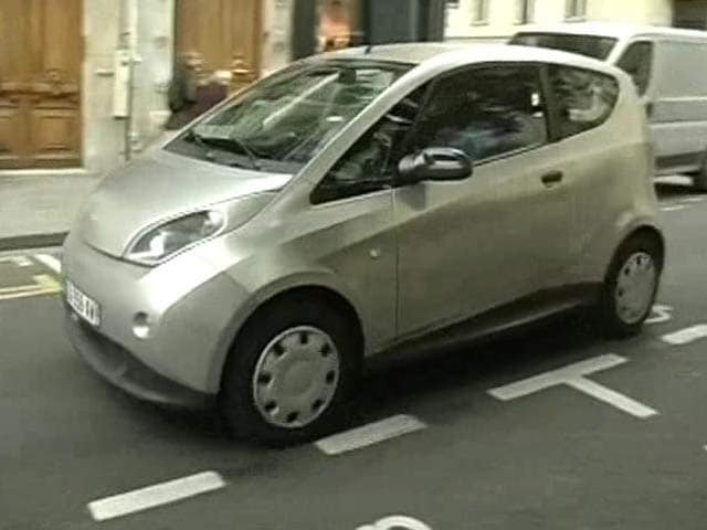 Video : Paris goes Autolib, will New Delhi be next?