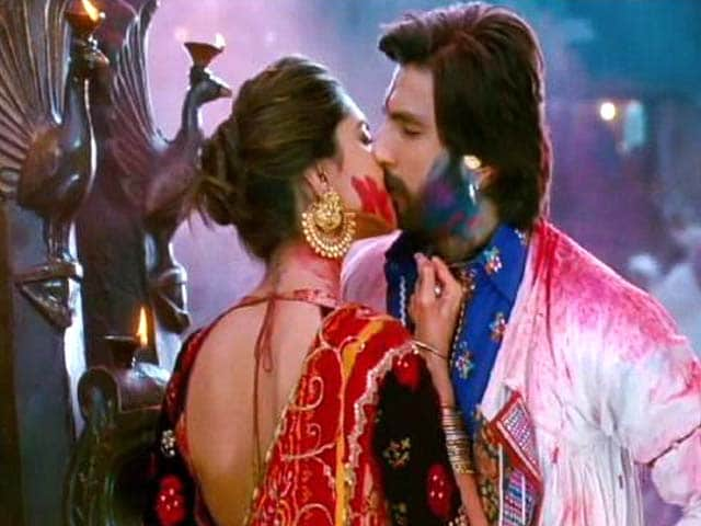 Video : Ram-Leela's kissing scene brought down to half