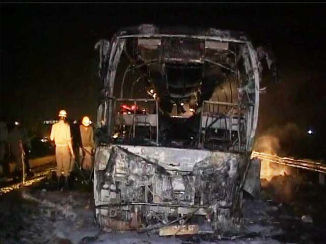 Video : 7 killed as luxury bus in Karnataka catches fire, driver and owner booked