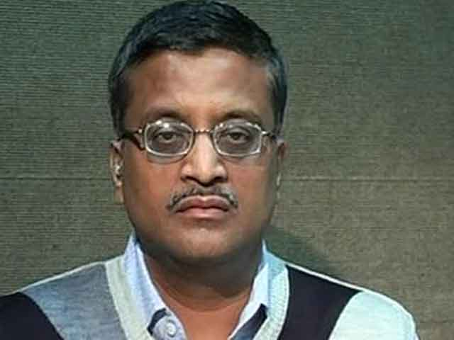 Video : 45th transfer? IAS officer Ashok Khemka, who took on Robert Vadra, asked to shift again