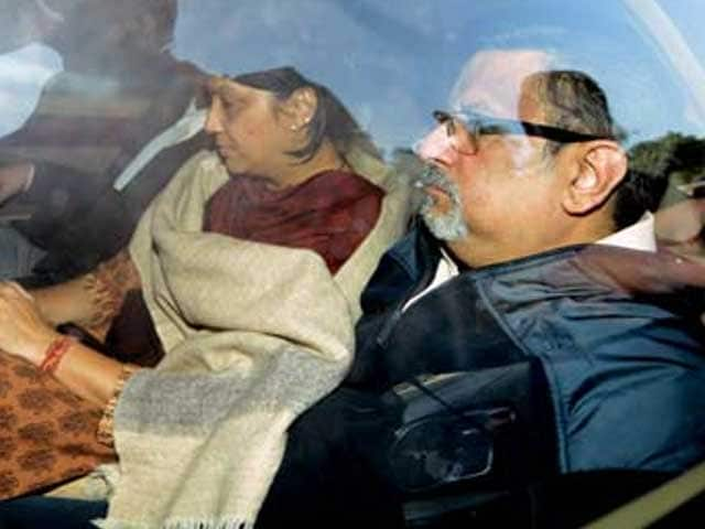 Video : Aarushi case: CBI asks for death penalty for Talwars