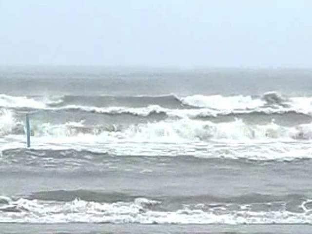 Video : Cyclonic storm Lehar weakens, turns into deep depression