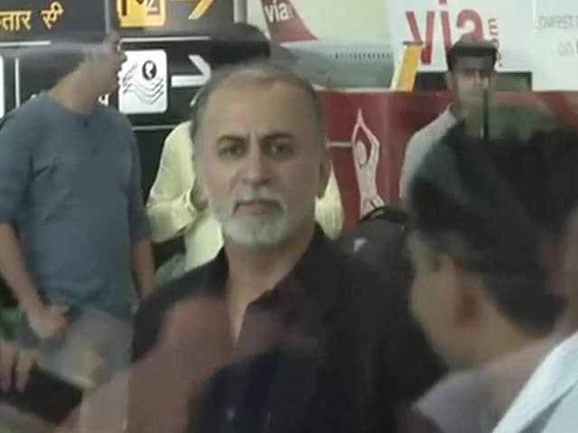Video : Tarun Tejpal leaves for Goa; court blocks arrest till bail plea is heard