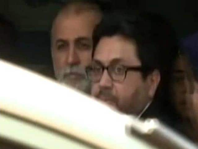 Video : Tehelka case: Tarun Tejpal arrested on charges of rape