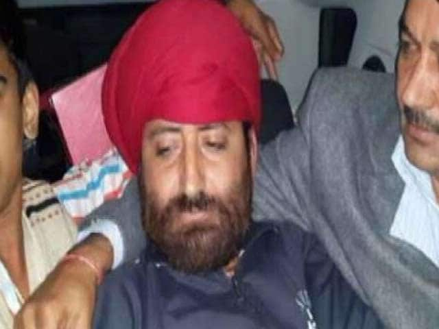 Video : Asaram's son Narayan Sai, disguised as a Sikh, arrested near Delhi