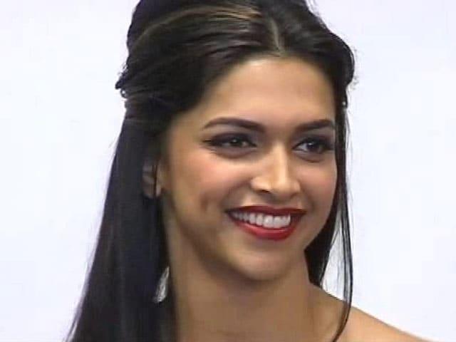 Video : Deepika Padukone to throw party on Dec 21
