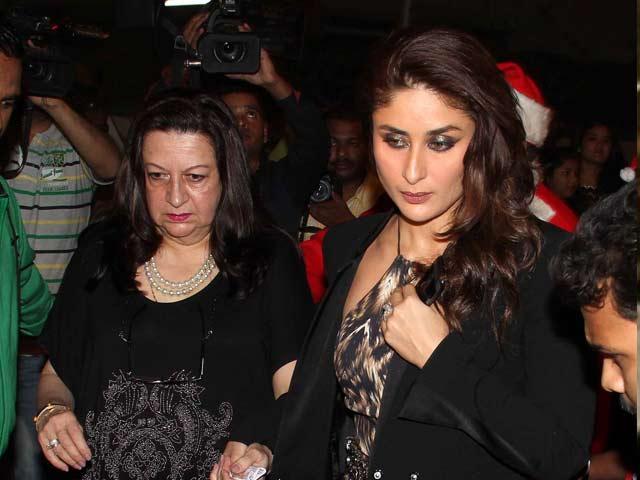 Kareena celebrates Christmas with sister Karisma, mother Babita