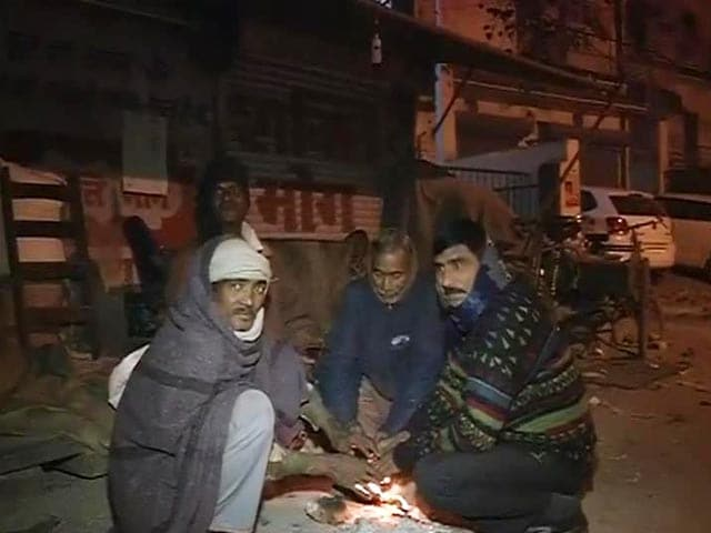 Video : Delhi shivers at 2.4 degrees, coldest December in over a decade