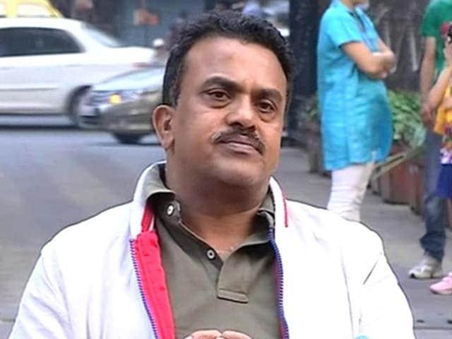 Video : Cut power rates in Mumbai like AAP did in Delhi: Congress MP