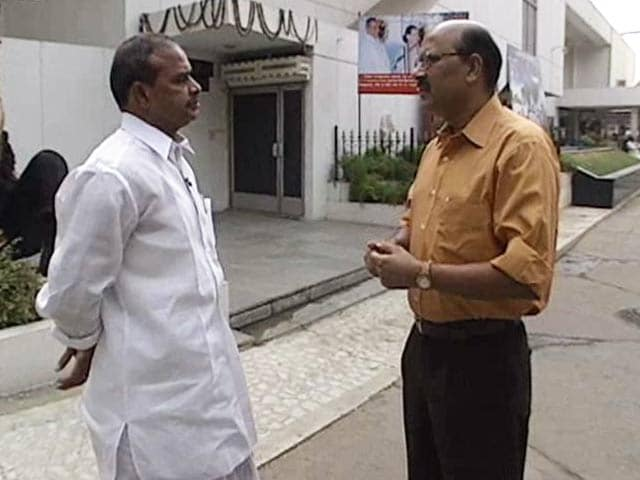 Video : Walk The Talk with YSR Reddy (Aired: May 2005)