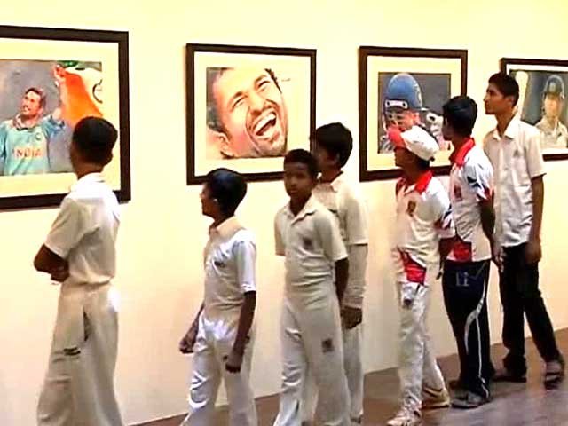 Video : An exhibition of paintings on Sachin