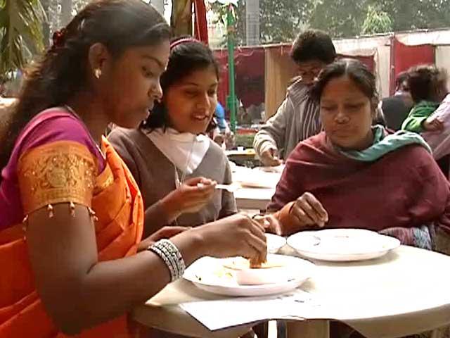 Video : Jayalalithaa's one-rupee idlis now in Delhi
