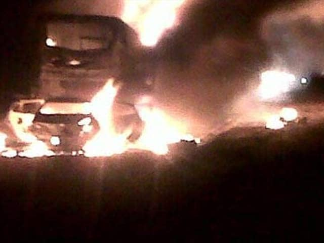 Video : 7 killed as bus catches fire on Mumbai-Ahmedabad highway