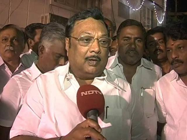 Video : 'My father's tears should fall on my dead body': Alagiri's response to DMK chief Karunanidhi