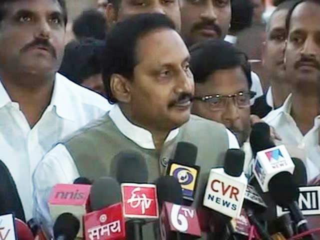 Video : Telangana row: asked President to use his powers to keep Andhra Pradesh united, says Kiran Kumar Reddy