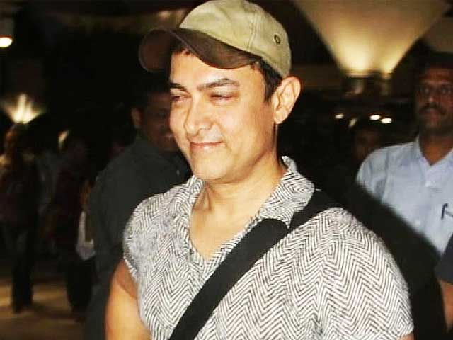 Video : Aamir Khan back in Mumbai