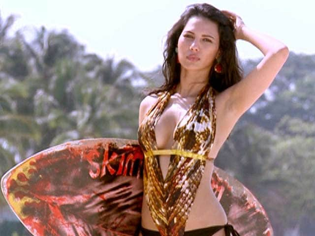 Video : Rochelle Rao's oomph set the beaches ablaze
