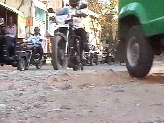 Video : Bangalore crumbles as civic body goes bankrupt