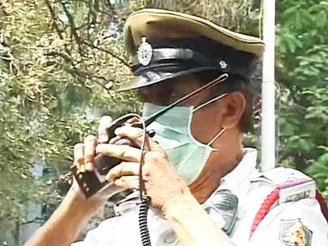 Video : How pollution is taking its toll on Bangalore's traffic policemen