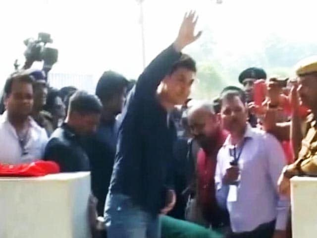 Video : Aamir Khan's tribute to the 'Mountain Man'