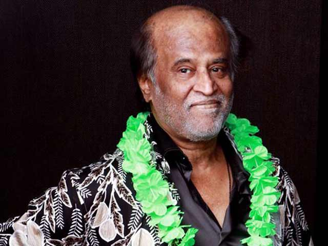 Video : Rajini Sir has his awkward moments too!