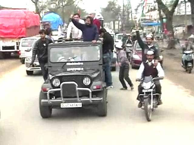 Video : With roadshow, Arvind Kejriwal tries to capture voters' pulse in UP